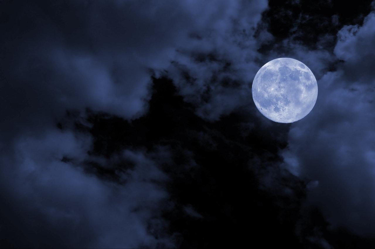 छुपा है चाँद बदली में…