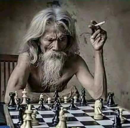 बिसात शतरंज की आज भी लगा लेता हूँ